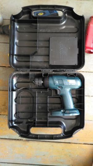 Black & Decker 18V cordless drill for Sale in Columbus, OH