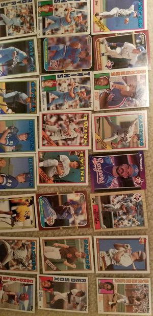 Vintage MLB baseball cards 100+ cards for Sale in Twinsburg, OH
