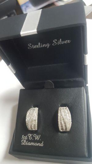 Diamond ear rings 1K for Sale in Dover, PA