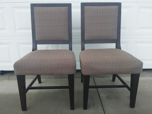 Dining room table chairs for Sale in Wenatchee, WA