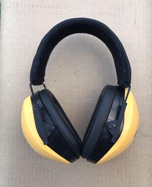 DEWALT Interceptor Folding Earmuff, barely used, excellent condition for Sale in Auburn, WA