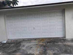Garage door / puerta de garaje for Sale in Miami, FL
