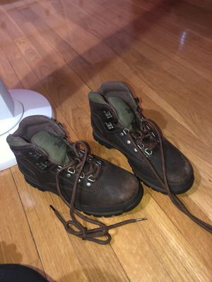 TIMBERLANDS AND UGG BOOTS SIZE 7 1/2 for Sale in Silver Spring, MD