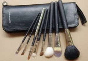 MAC 8 makeup brush set NEW for Sale in Swarthmore, PA