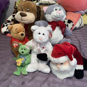 Bundle of stuffed animals for Sale in Chicago, IL