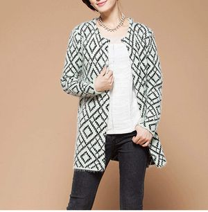 Brand new Women's Knit Cardigan Long Winter Fashion Thickened Loose Sweater Coat for Sale in Clovis, CA