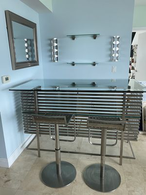 Bar Table Set for Sale in Miami, FL