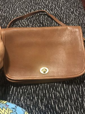 Coach women's crossover purse for Sale in Los Angeles, CA