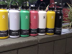 HydroFlasks 40oz for Sale in Los Angeles, CA