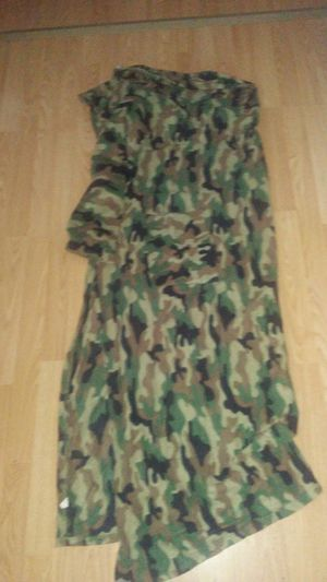 Camo snuggy small with pockets for Sale in Kingsley, MI