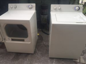 Washer and dryer set working good General Electric for Sale in West Palm Beach, FL