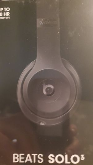 BEATS SOLO 3 (BRAND NEW NEVER OPEND) for Sale in Bethlehem, PA