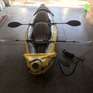 2 Person Inflatable Kayak With Aluminum Oars & Hand Pump for Sale in Orlando, FL