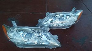 2007 to 2009 toyota camry headligths for Sale in Los Angeles, CA