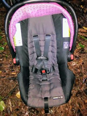 GRACO INFANT CAR SEAT CLICK CONNECT 30 for Sale in Palm Bay, FL