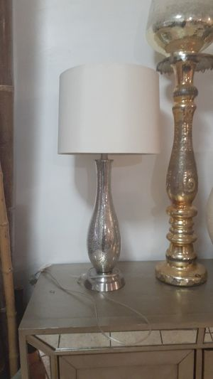 Beautiful lamp $15 for Sale in Bell Gardens, CA