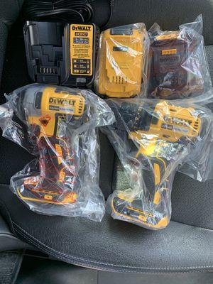 Dewalt Impact Drill Kit Set for Sale in Los Angeles, CA