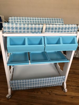 Changing table and baby bath for Sale in Ontario, CA