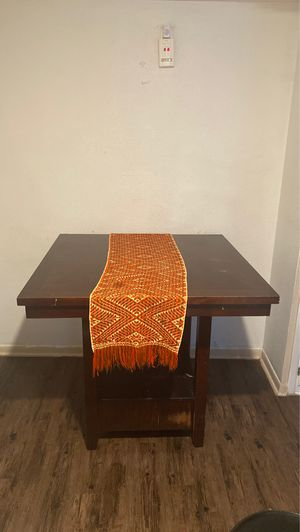 Kitchen table (READ CAPTION) (Lea en la descripción) for Sale in Dallas, TX