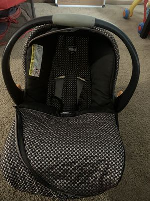 Baby Car Seat 3mos-1mos w Mirror for Sale in Columbus, OH