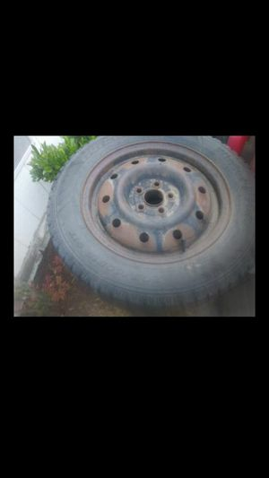 15 in snow tires for Sale in Tacoma, WA