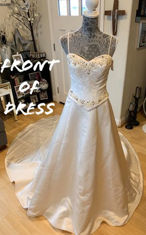Never used off white wedding dress for Sale in Marina, CA