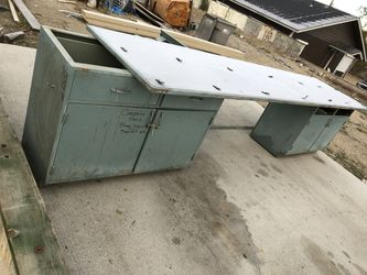 Large tool bench, very heavy duty. for Sale in Wenatchee,  WA