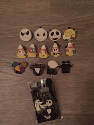 Nightmare Before Christmas 14 pin set! for Sale in Orlando, FL