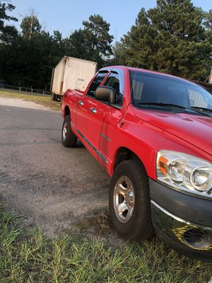 2008 dodge ram 1500 2WD 113k miles,clean title and carfax for Sale in Alexandria, LA