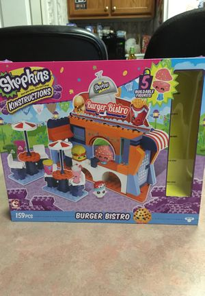 Shopkins Kinstructions...Burger Bristo...This kit Tones 159 pieces, five buildable figures! for Sale in Lampasas, TX