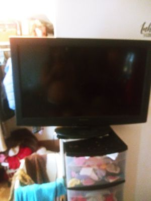 Panasonic 32 inch flat screen for Sale in Columbus, OH
