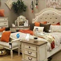 REALYN CHİPPED WHİTE PANEL BEDROOM SET ♦️4-PİECE ▶️NEW BRAND 🌜INSTOCK ☑️♦️SAME DAY for Sale in Arlington,  VA