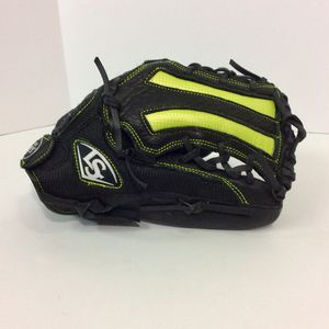 "Louisville slugger women's 13"" RHT zephyr series for Sale in Humble, TX"