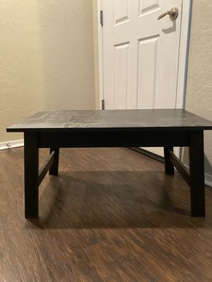 Small coffee table for Sale in Las Vegas, NV