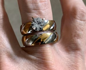 New CZ two tone stainless steel gold/silver wedding ring 9 for Sale in Inverness, IL