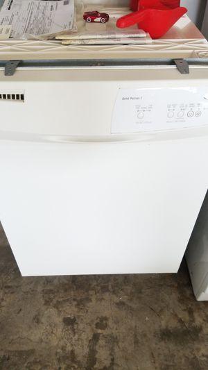 Whirlpool dishwasher for Sale in Sebring, FL