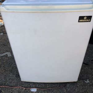 Mini refrigerator for Sale in Chino Hills, CA