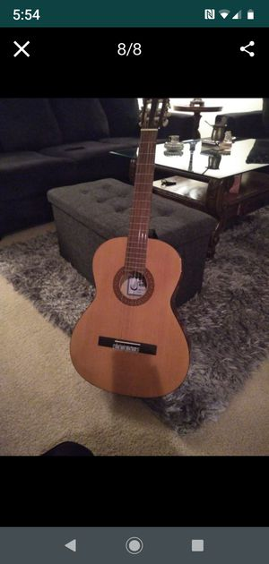 Guitar like new for Sale in Irvine, CA