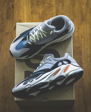 Yeezy Wave Runners for Sale in Washington, DC