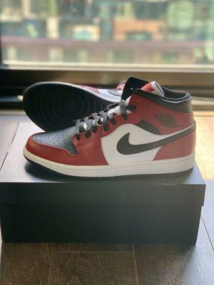Nike Air Jordan 1 Mid Chicago Black Toe Size 12 for Sale in Washington, DC