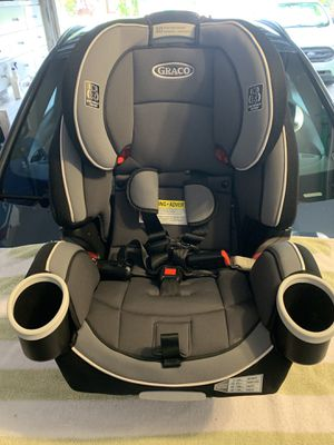 Graco 4Ever 4-in-1 Convertible Car Seat- New Condition! for Sale in Miami, FL