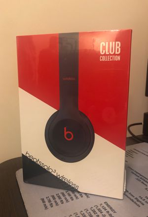 Beats Solo3 wireless Style: Club Collection Color: Club Navy for Sale in Miami, FL