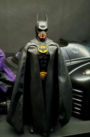 Hot Toys DX09 1989 Batman figure for Sale in San Antonio, TX