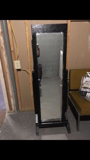 Standing jewelry mirror for Sale in Columbus, OH