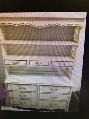 Vintage French Provincial 6 piece Bedroom set-off white and golf-good condition for Sale in Abilene, TX