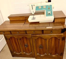Sewing Machine for Sale in OR,  US