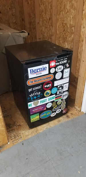 Black Mini Fridge for Sale in Tacoma, WA