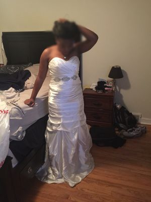 Wedding Dress (worn once) for Sale in Detroit, MI