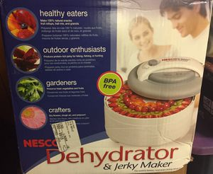 Nesco Dehydrator & Jerky Maker - Model FD-61 for Sale in Lincolnwood, IL