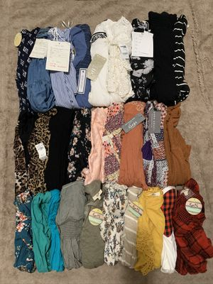 MISSES/ TEEN DRESSES and TOPS BUNDLE🌺 ALL SMALL🌺28 FOR $85 for Sale in Bellflower, CA